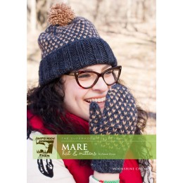 J22-01 Mare Hat and Mittens in Moonshine Chunky